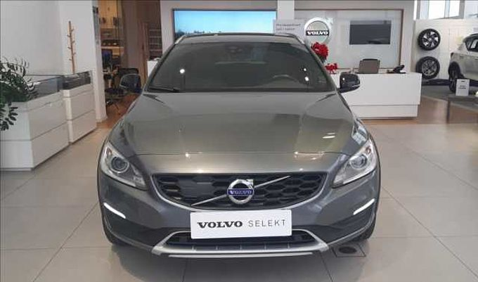 Volvo V60 CROSS COUNTRY ZADÁNO